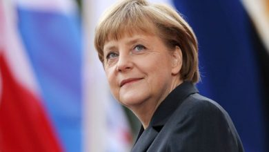 Photo of Merkel to the rescue of her dolphin, in difficulty –